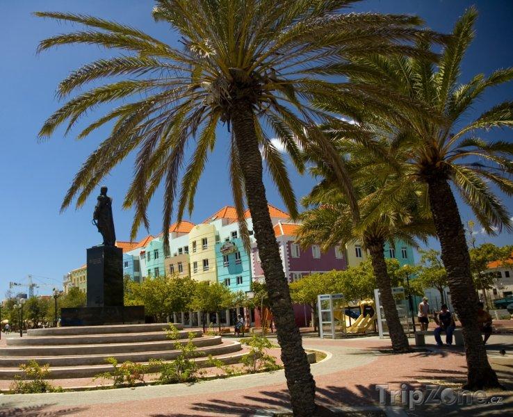 Fotka, Foto Náměstí ve Willemstadu (Curacao)