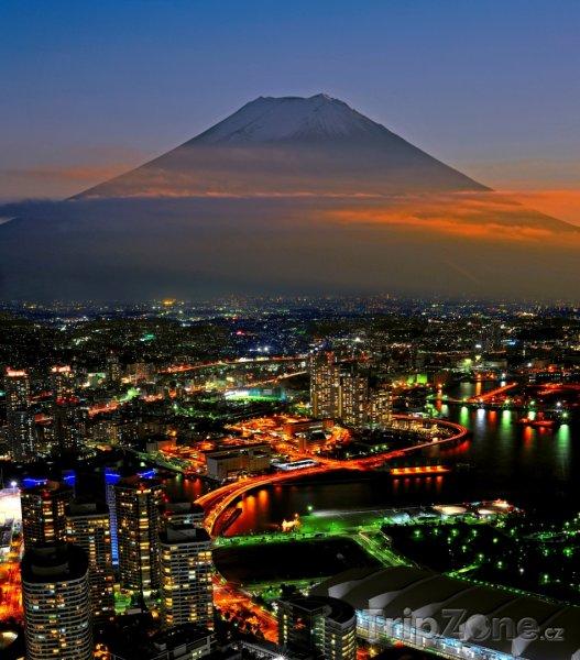 Fotka, Foto Noční Jokohama a hora Fudži (Japonsko)