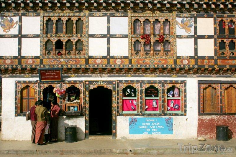 Fotka, Foto Obchody na trhu ve městě Thimphu (Bhútán)
