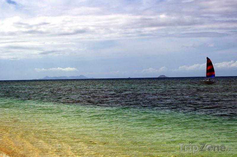 Fotka, Foto Plachetnice na moři (Fidži)