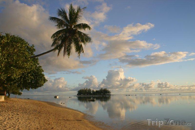 Fotka, Foto Pláž na ostrově Moorea (Francouzská Polynésie)