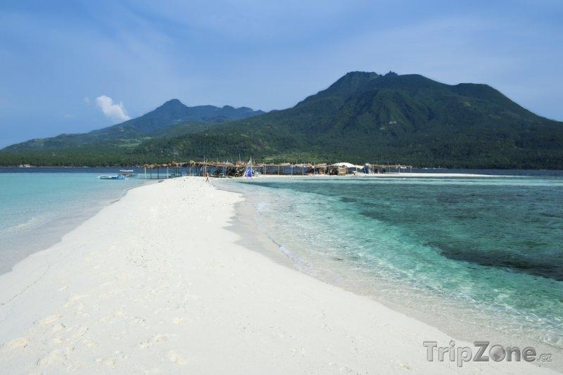 Fotka, Foto Pláž u ostrova Camiguin (Filipíny)