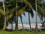 Pobřeží města Cahuita