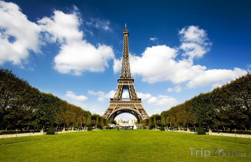 Fotka, Foto Pohled na Eiffelovu věž z parku (Francie)
