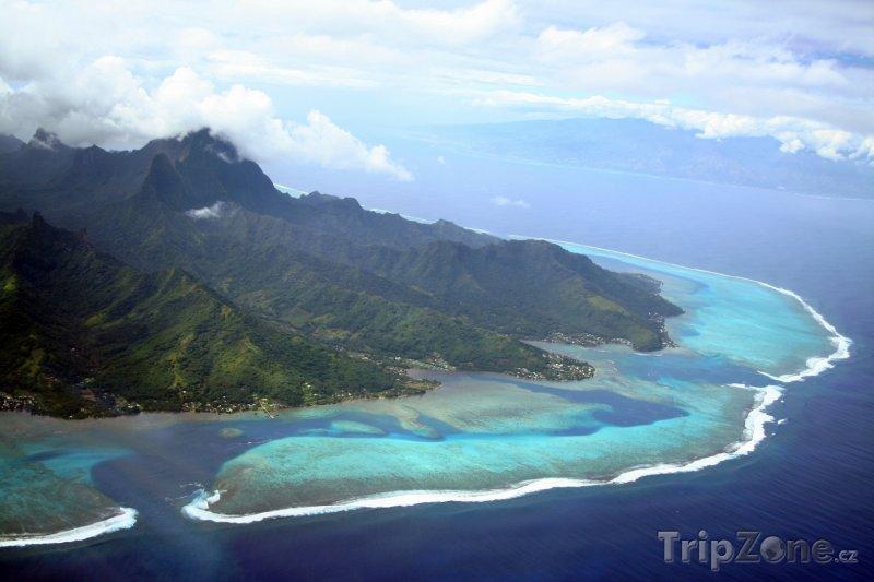 Fotka, Foto Pohled na ostrov Moorea a Tahiti (Francouzská Polynésie)