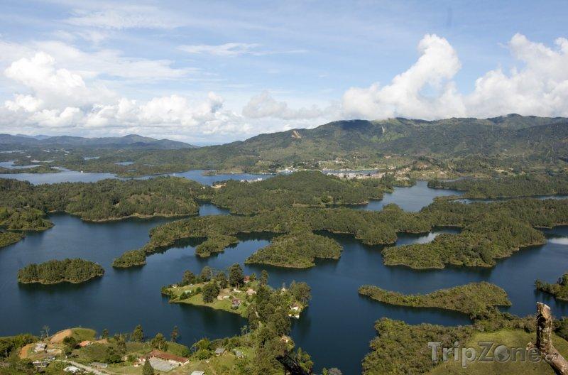Fotka, Foto Pohled ze skály Piedra de Peñol (Kolumbie)