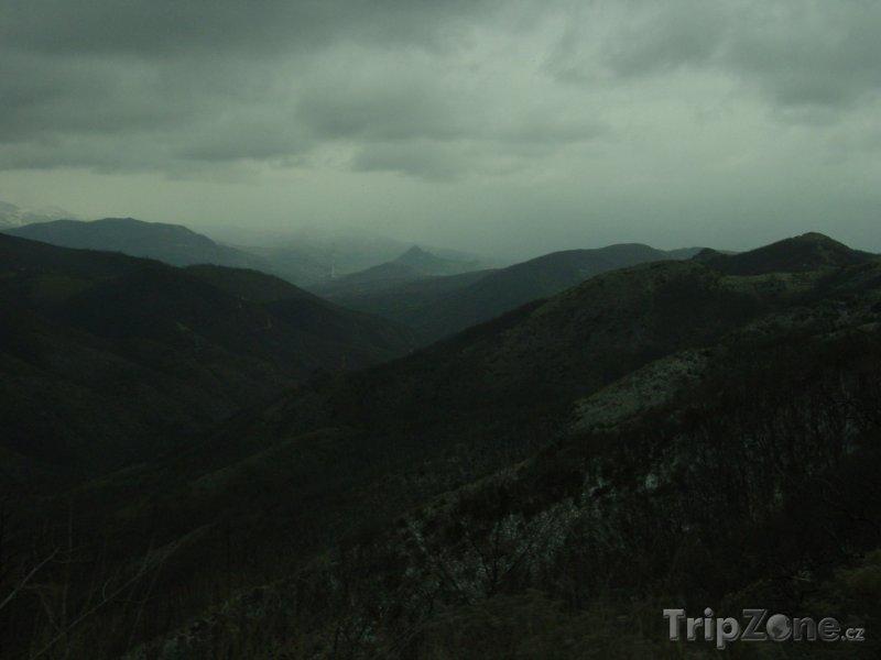 Fotka, Foto Pohoří u města Kosovská Mitrovica (Kosovo)