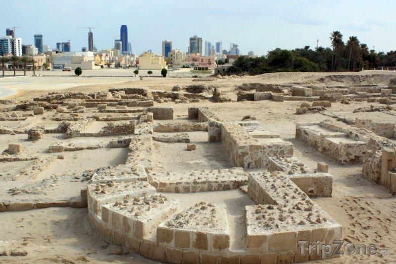 Fotka, Foto Ruiny u pevnosti Qal'at al-Bahrain (Bahrajn)