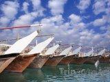 Rybářské plachetnice v přístavu