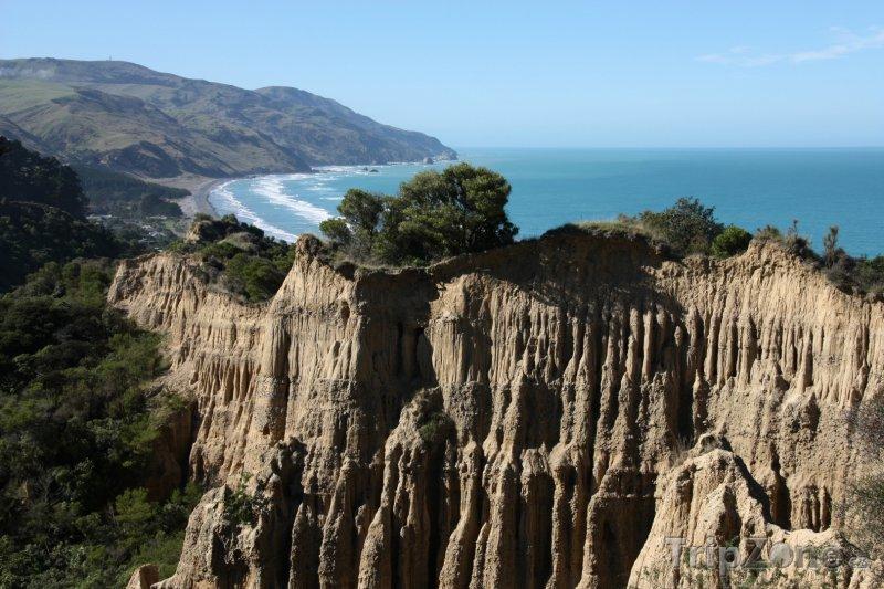 Fotka, Foto Skály u pobřeží (Nový Zéland)