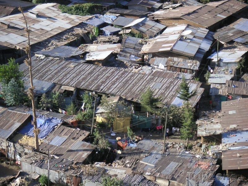 Fotka, Foto Slumy v chudinské čtvrti (Etiopie)