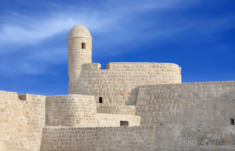 Fotka, Foto Strážní věž v pevnosti Qal'at al-Bahrain (Bahrajn)