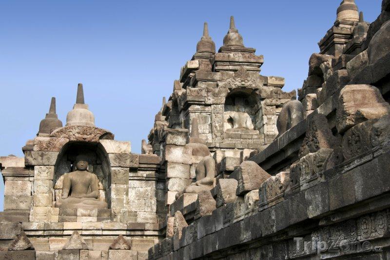 Fotka, Foto Stúpy v chrámovém komplexu Borobudur (Indonésie)