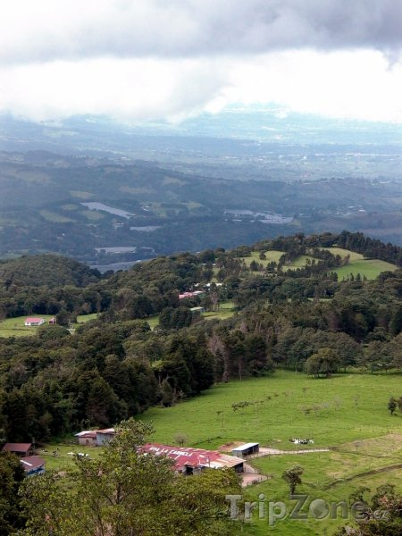 Fotka, Foto Údolí poblíž vulkánu Poás (Kostarika)