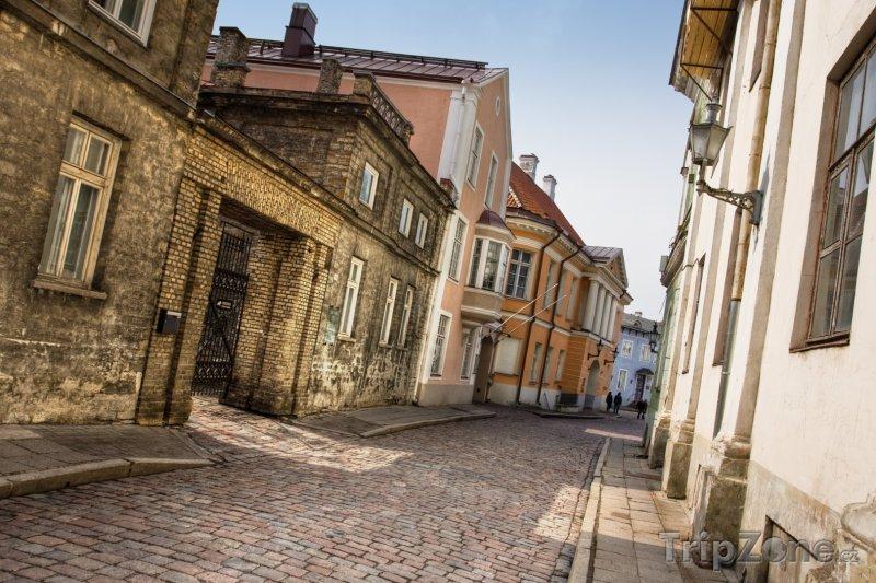 Fotka, Foto Ulička v Tallinnu (Estonsko)