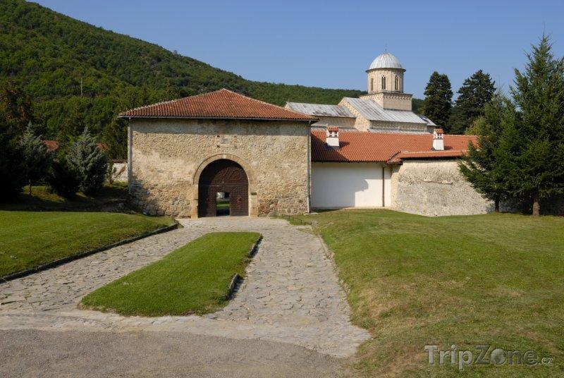 Fotka, Foto Vchod do kláštera Visoki Dečani (Kosovo)