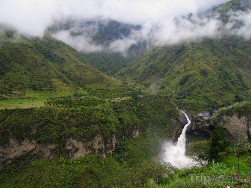 Fotka, Foto Vodopád poblíž města Baños (Ekvádor)