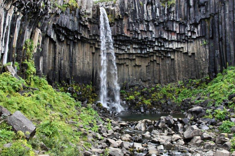 Fotka, Foto Vodopád Svartifoss v národním parku Skaftafell (Island)