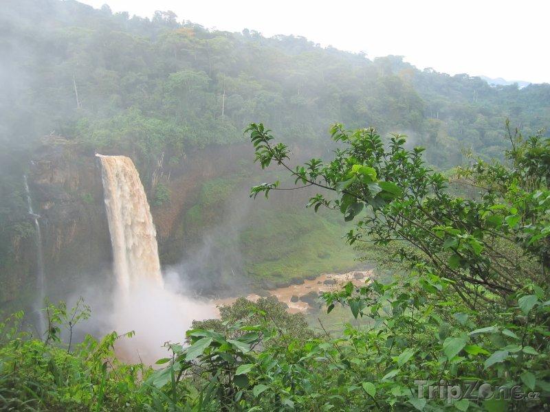 Fotka, Foto Vodopád v džungli (Kamerun)