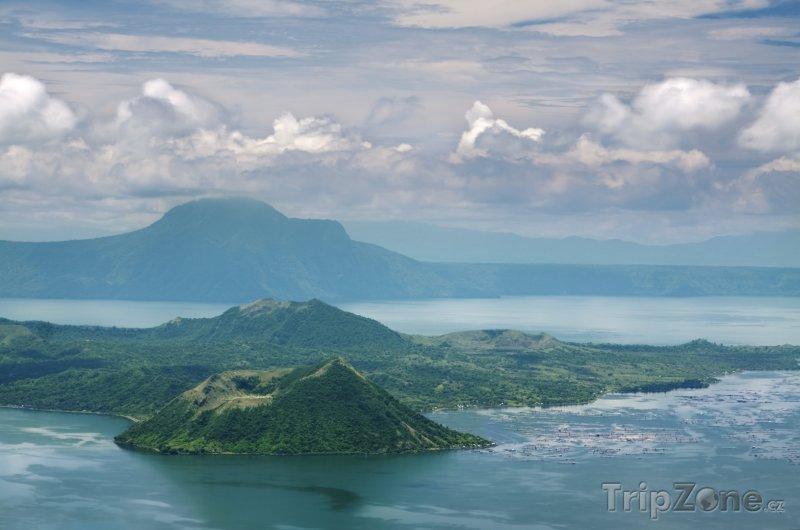 Fotka, Foto Vulkán Taal na ostrově Luzon (Filipíny)