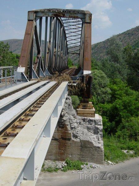 Fotka, Foto Železniční most (Kosovo)