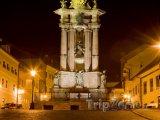 Banská Štiavnica, náměstí Svaté Trojice v noci