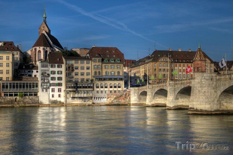 Fotka, Foto Basilej, most Mittlere přes řeku Rýn (Švýcarsko)