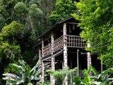 Borneo, chýše ve státě Sarawak