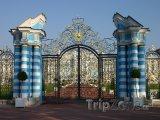 Brána Kateřinského paláce ve městě Tsarskoye Selo