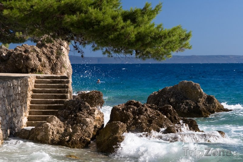 Fotka, Foto Brela, schody na pláž (Makarská riviéra, Chorvatsko)