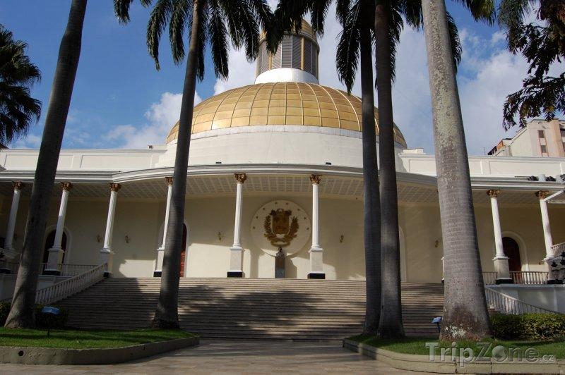 Fotka, Foto Budova parlamentu v Caracasu (Venezuela)