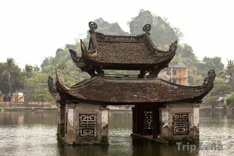 Fotka, Foto Chrám v jezeru (Hanoj, Vietnam)