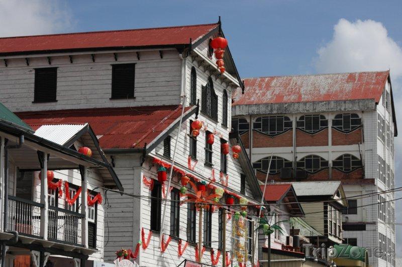 Fotka, Foto Domy v hlavním městě Paramaribo (Surinam)