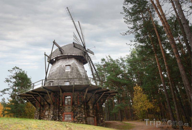 Fotka, Foto Historický mlýn ve venkovním muzeu (Riga, Lotyšsko)