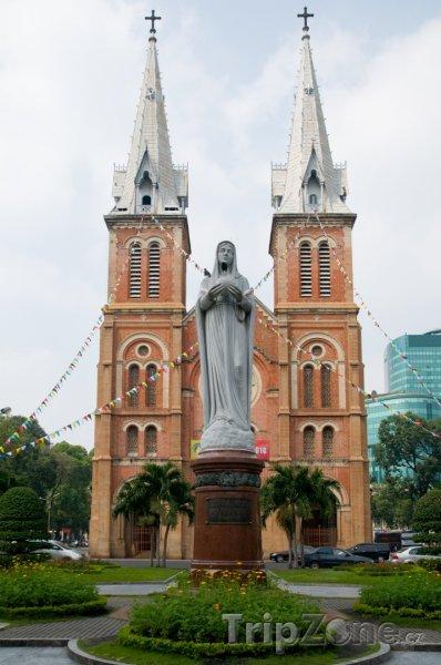 Fotka, Foto Ho Či Minovo Město, saigonský Notre Damme (Vietnam)