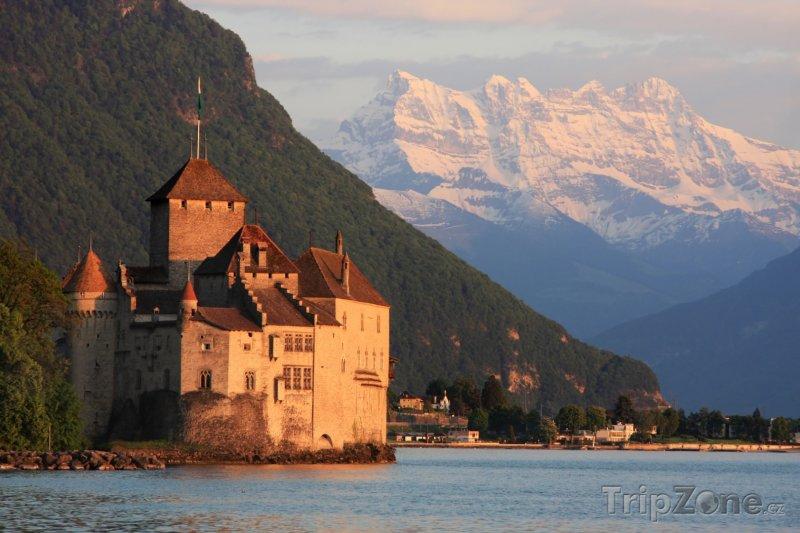 Fotka, Foto Hrad Chillon na Ženevském jezeru (Švýcarsko)