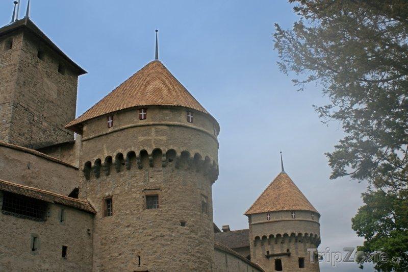 Fotka, Foto Hrad Chillon u obce Montreux (Švýcarsko)