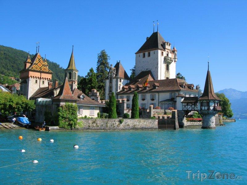 Fotka, Foto Hrad Oberhofen (Švýcarsko)