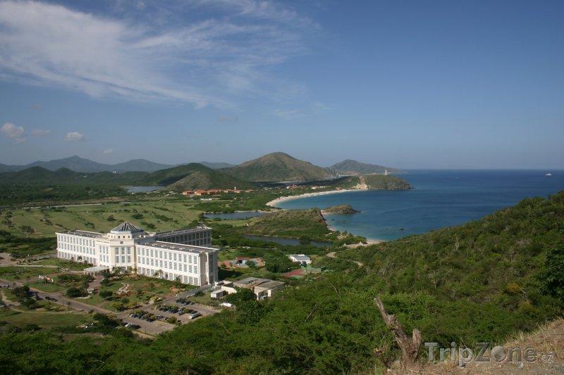 Fotka, Foto Isla de Margarita, pohled na město La Asunción (Venezuela)