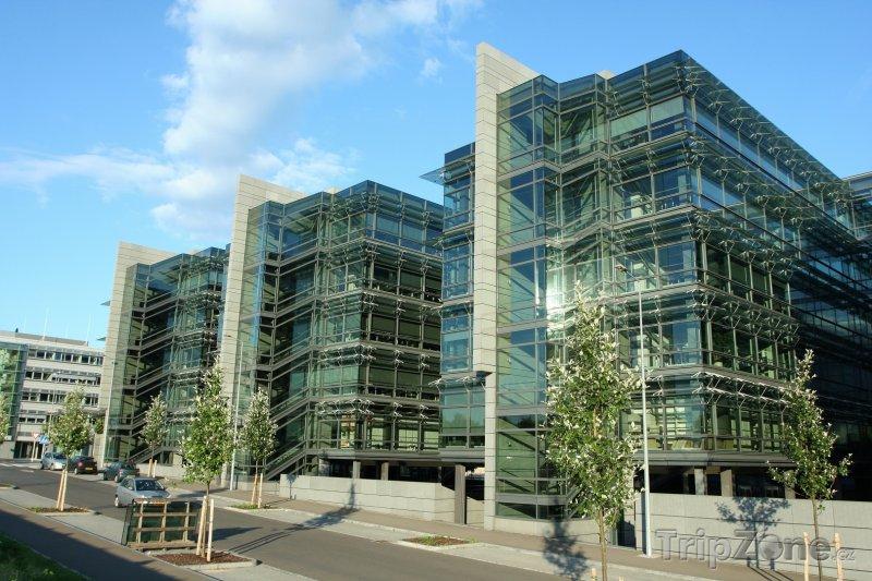 Fotka, Foto Kancelářské budovy v centru města (Lucemburk, Lucembursko)