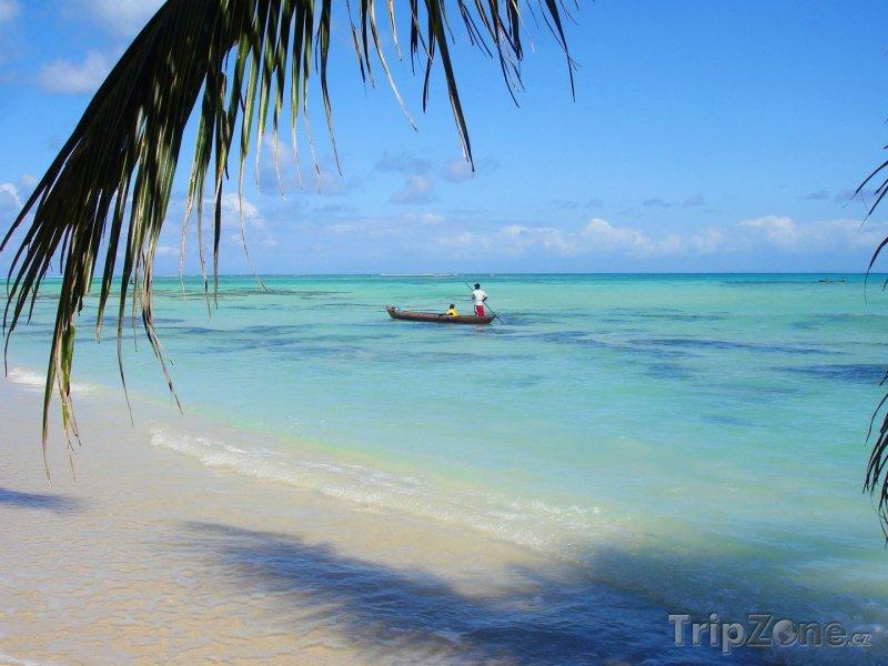 Fotka, Foto Kanoe u ostrova Île Sainte-Marie (Madagaskar)
