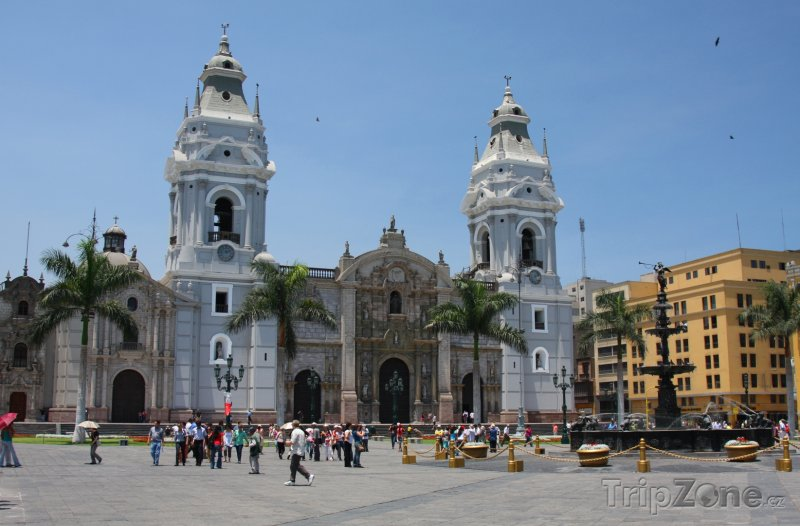 Fotka, Foto Katedrála na náměstí Plaza de Armas (Lima, Peru)