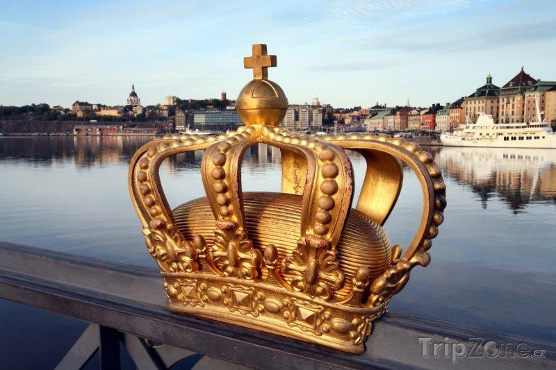 Fotka, Foto Koruna na mostě ve Stockholmu (Švédsko)