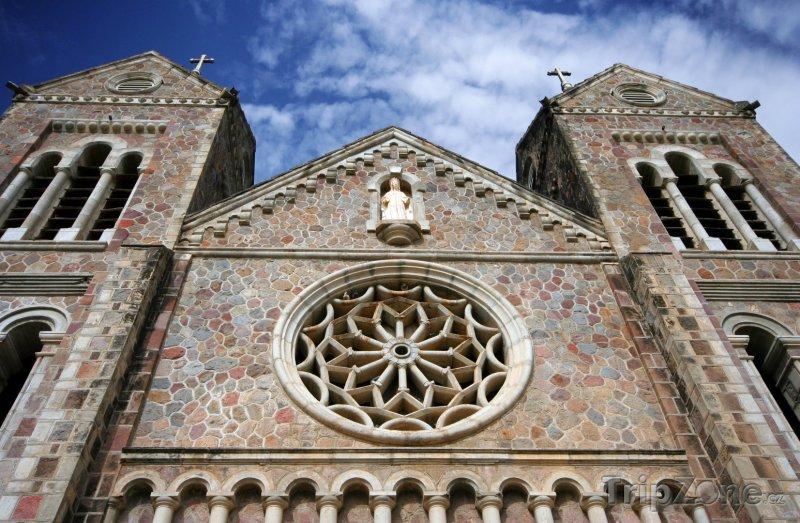 Fotka, Foto Kostel ve městě Basseterre (Svatý Kryštof a Nevis)