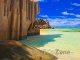 La Digue, pohled z pláže Anse Source d'Argent