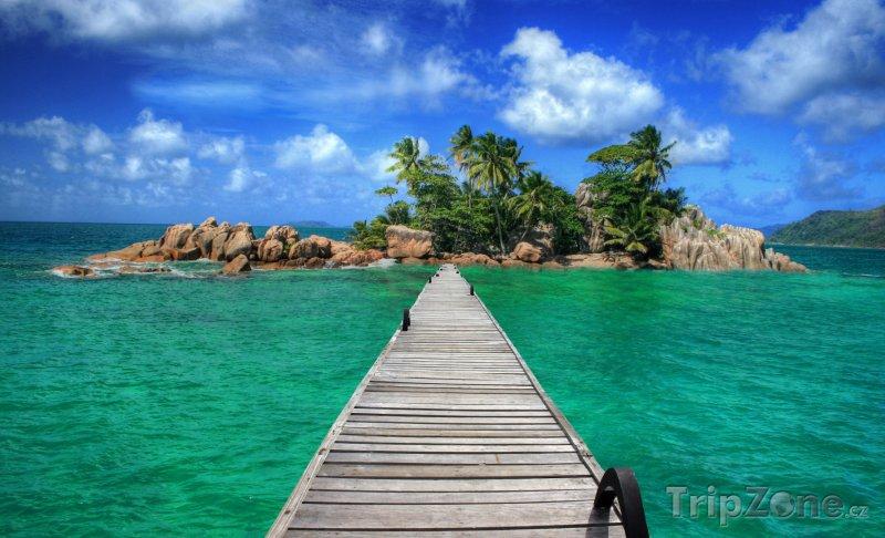 Fotka, Foto Lávka k ostrůvku St. Pierre (Seychely)