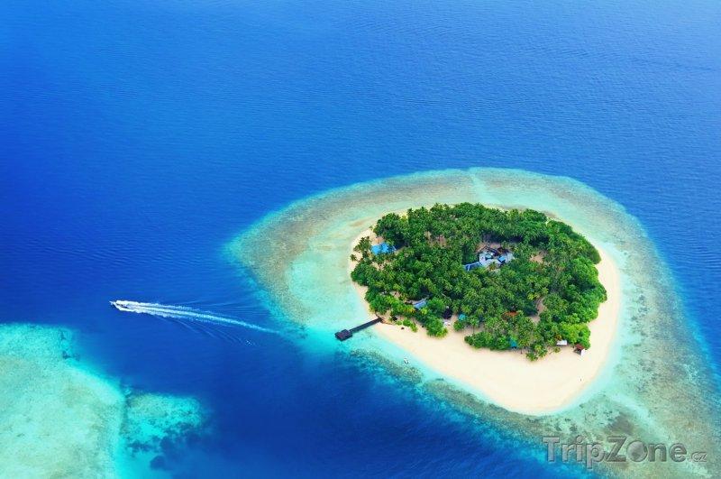 Fotka, Foto Letecký pohled na jeden z resortů (Maledivy)