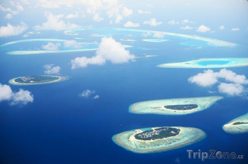 Fotka, Foto Letecký pohled na maledivské atoly (Maledivy)