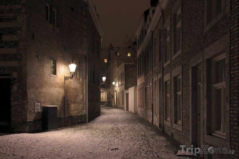Fotka, Foto Maastricht, ulička ve staré části města (Nizozemsko)