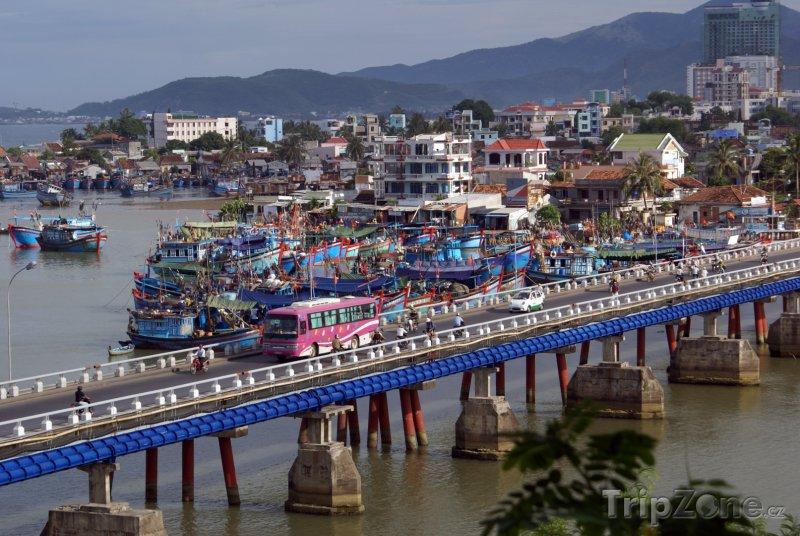 Fotka, Foto Most ve městě Nha Trang (Vietnam)